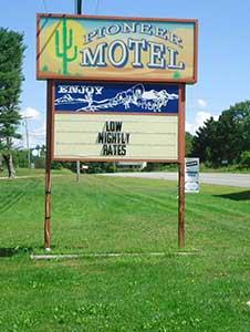 Pioneer Motel Sign